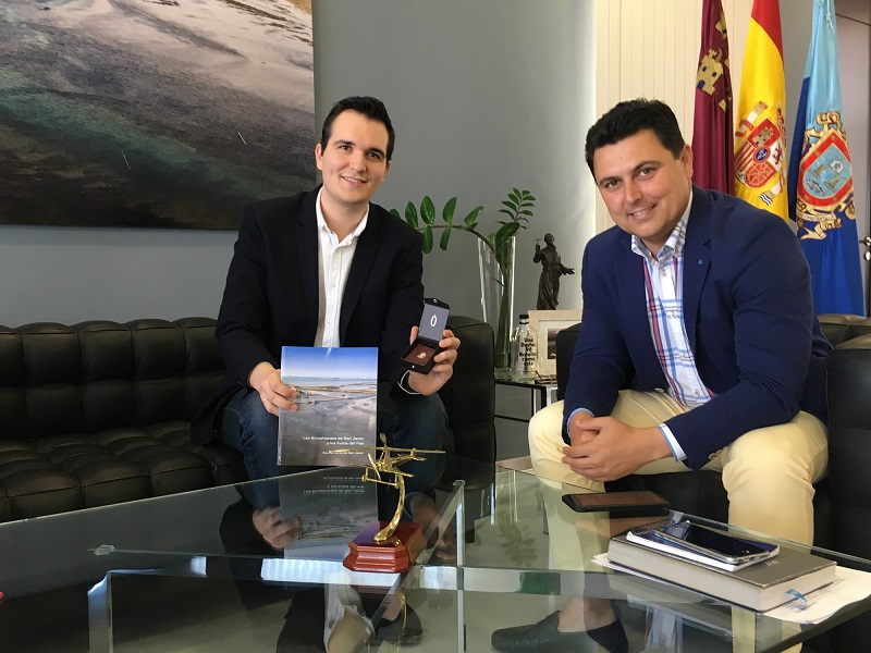 The mayor receives the 26 year old Sanjaviereño, Francisco Javier Pérez Albaladejo after winning a position as Professor at the Conservatory of Music of Murcia