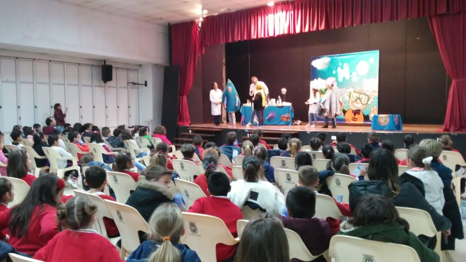 Municipality of HIdrogea raise awareness among young people about the value of water with a fun show